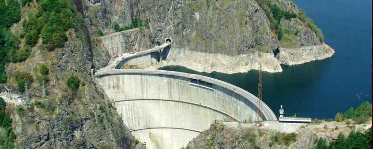 Barajul si Lacul Vidraru